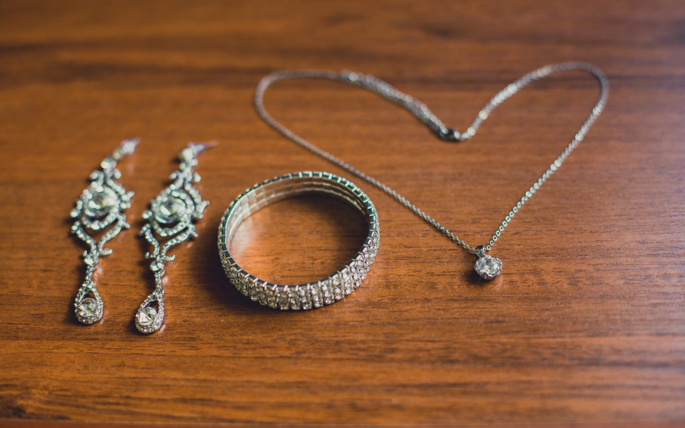 A Guide to the Different Types of Jewelry and What You Should Buy